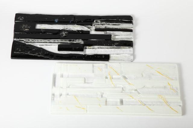 作品タイトル『黒×白』…フュージングガラス