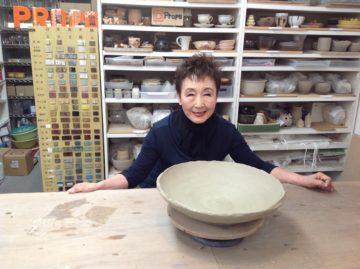 加藤登紀子さんがご来校しました -東京新宿の陶芸教室 プロップスアートスクールで陶芸体験-の画像