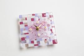ブルズアイ・ガラスで時計を…文字符にはミルフィオリで飾る