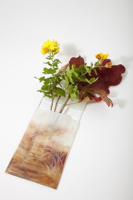 ブルズアイ・自作モールド壁掛け花瓶1