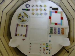 フュージング窯詰め -東京新宿の陶芸教室 プロップスアートスクールで陶芸体験-の画像