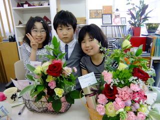 母の日特別レッスン*フラワーアレンジメント -東京新宿の陶芸教室 プロップスアートスクールで陶芸体験-の画像