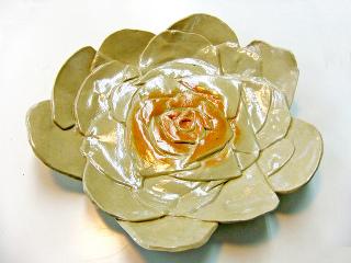 陶芸*薔薇皿 -東京新宿の陶芸教室 プロップスアートスクールで陶芸体験-の画像
