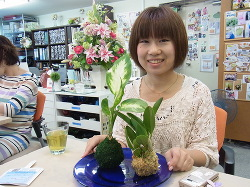 苔玉作り -東京新宿の陶芸教室 プロップスアートスクールで陶芸体験-の画像