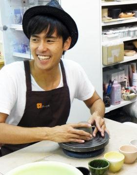 歌手 Kさんのラジオ番組がプロップスで収録されました! -東京新宿の陶芸教室 プロップスアートスクールで陶芸体験-の画像