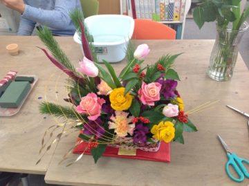 フラワーコース:12月お正月アレンジ -東京新宿の陶芸教室 プロップスアートスクールで陶芸体験-の画像